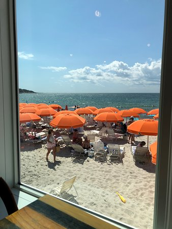 Seacrest Beach Hotel North Falmouth Ma: View of the beach