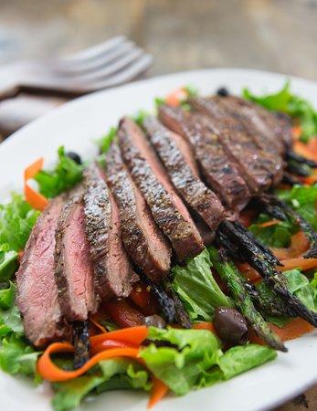 North Bergen, Nueva Jersey: Skirt steak salad
