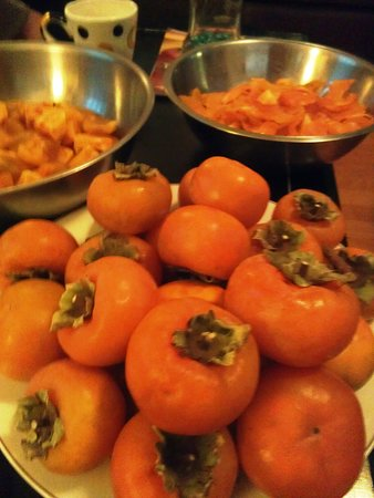 Conyers, Джорджия: Making our home grown persimmon preserve