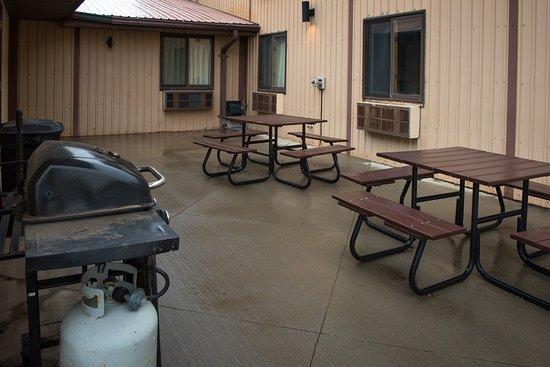 Martin, Dakota Południowa: BBQ area and picnic tables