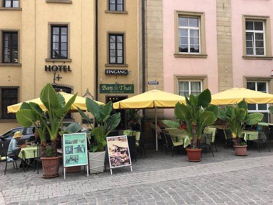Bad Wimpfen, ألمانيا: Terrasse mit Elefantenohren