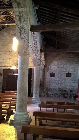 Codiponte, إيطاليا: navata e capitelli