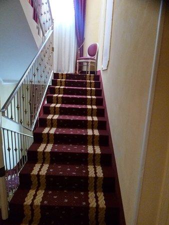 Grand Hotel Osman: scAle
