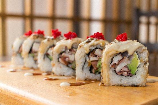 Sakura Sushi: Tenemos nuevos rollos cada mes ! Este es nuestro Crispy Tako.