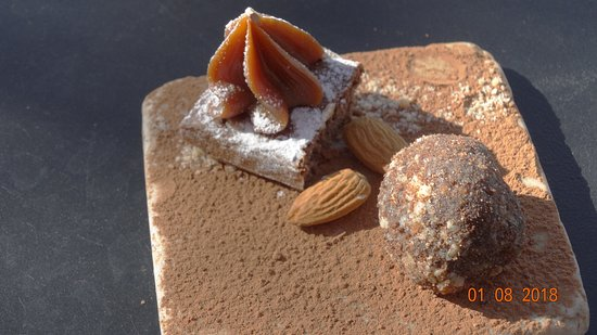 Bodega Lagarde - Restaurant: detalhe dos docinhos do espresso