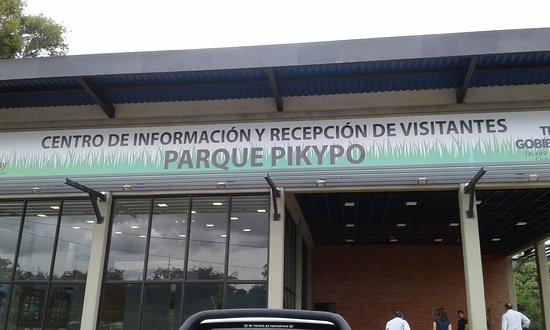 Colonia Yguazu, Paraguay: Fachada