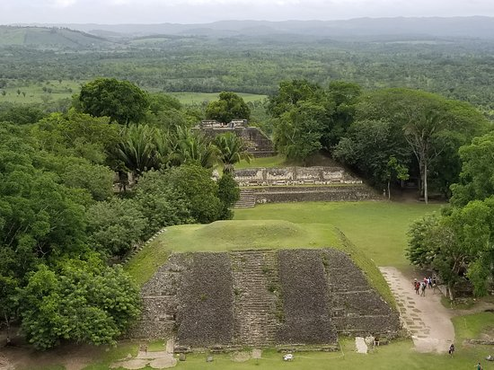 San Jose Succotz, Belice: View across the plaza from the top of the High Temple