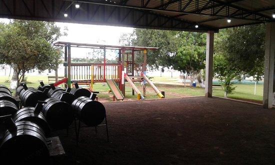 Colonia Yguazu, Paragwaj: Área infantil