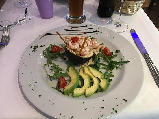 Horgen, İsviçre: avocado and very fresh prawns