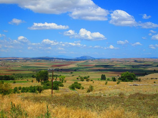 Tour Trip Greece: Plains of Boeotia and location of the Battle of Plataea (479 BC)