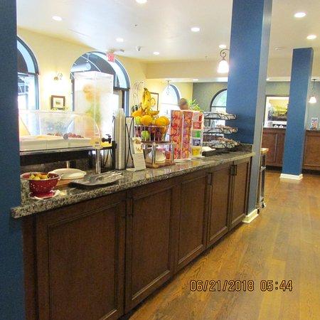 Best Western Plus St. Christopher Hotel: Breakfast Room One