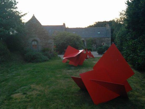 Plougonven, فرنسا: Opere artistiche