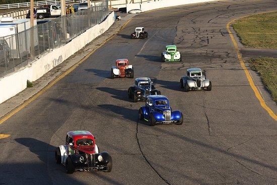 Gering, NE: legends racing at hiway 92 raceway