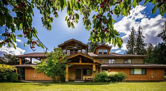 Hagensborg, Canada: Credit photo Hywel Williams