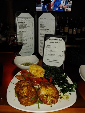 Islands Fish Grill: Great Crab Cakes