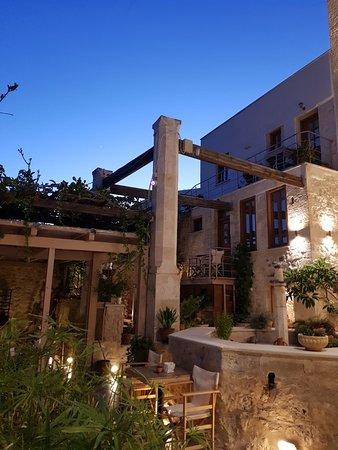Casa Vitae Hotel: 20180629_210937_large.jpg