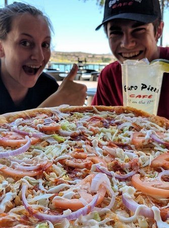 Euro Pizza Cafe: Yummy pizza!