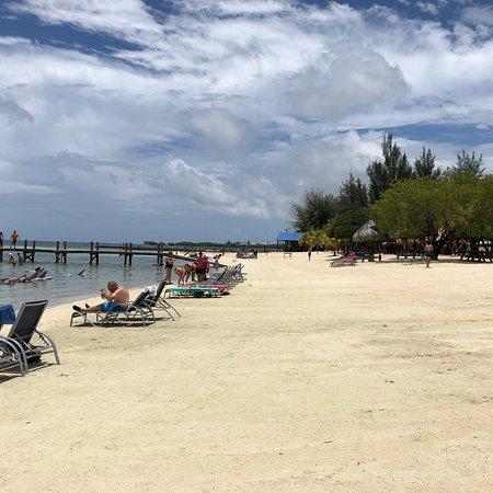 Beach Club Roatan: photo3.jpg