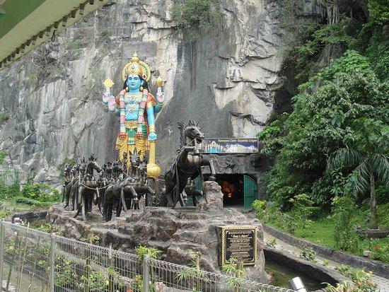 Batu Caves, Malaysia: Ramayana Cave