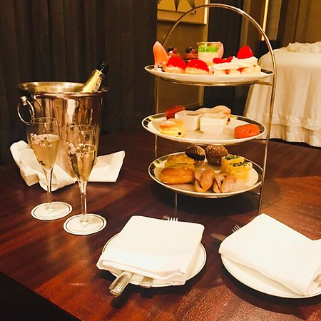 It Was Beautiful Afternoon For >> Beautiful Afternoon Tea Set And You Can Enjoy It In Your Own Spa