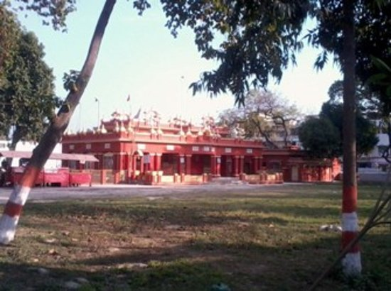 Devi Mandir in the heart of Muzaffarpur city is frequented by Goddess Durga devotees.