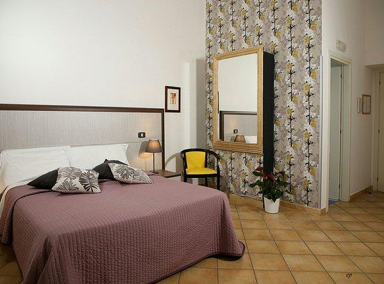 Centro Mobili Design Caravaggio.Great Location In Old Town Naples Review Of Caravaggio Hotel
