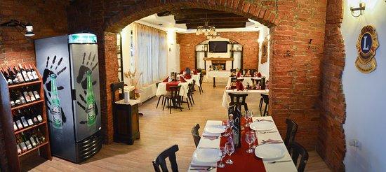 Sacele, Rumania: Restaurant Fényes