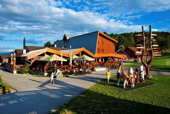 Valca, Slovakia: Reštaurácia Humno
