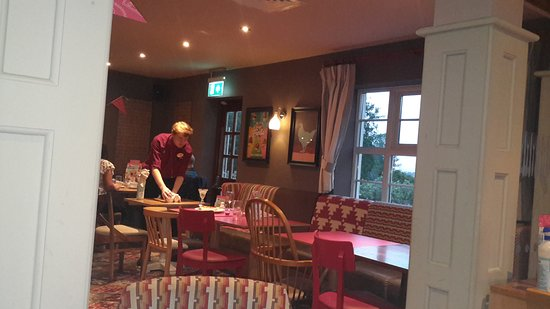Stevenston, UK: Having dinner with friends