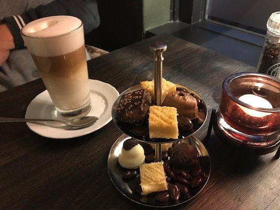 Dalen, Hollanda: Koffie met heerlijkheden