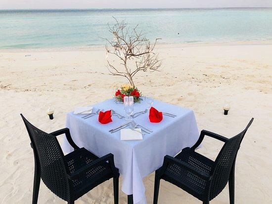 Gulhi Island: Beach Dinner