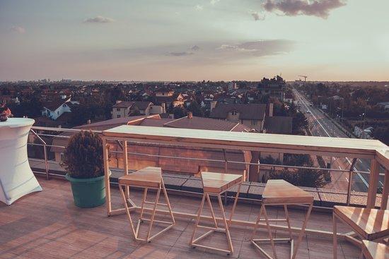 Elfi - Urban Kitchen & Sky Bar...