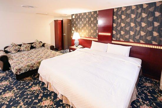 Kiwi Express Hotel Mrt Wen Xin Feng Chia  Branch 1
