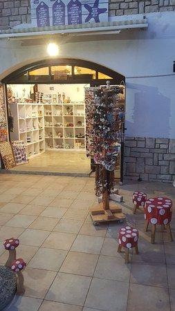 Funtana, Croacia: Saliunca Souvenir Shop
