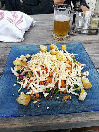 Passo Rolle, Italy: l'insalatina con ricotta affumicata