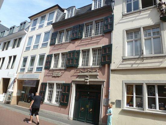 Beethoven House : In der Bild-Mitte, das Beethoven Haus.
