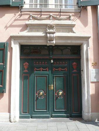 Beethoven House : Eingangstüre vom Beethoven Haus.