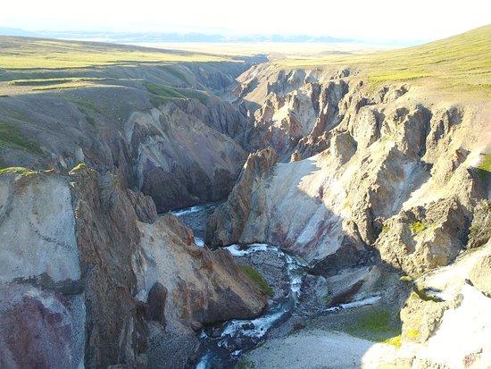 Vopnafjordur, Islândia: Beautiful colors in the canyon