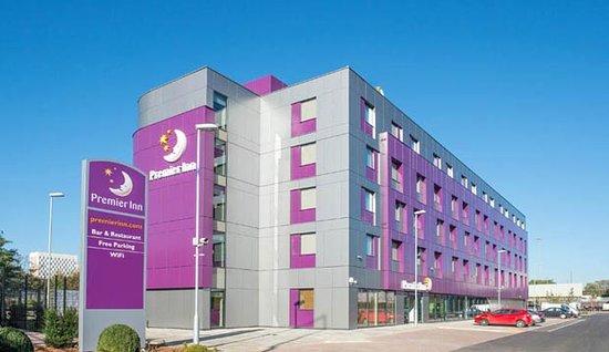 Premier Inn London Edmonton Hotel