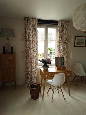 Chemille-sur-Indrois, France: La chambre Romantique spacieuse et lumineuse, un rêve