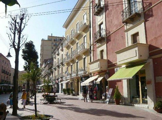 Piazza V. Veneto e Corso Garibaldi