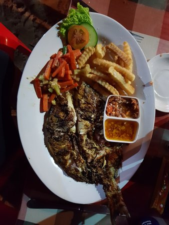 Warung Get Lucky: Fantastic grilled snapper (my favourite dish)