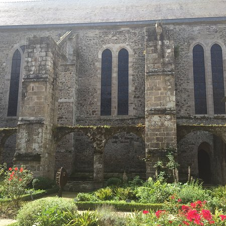 Lehon, France: Our trip to the abbey
