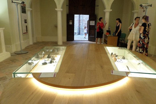 Museo delle Tombe Picene