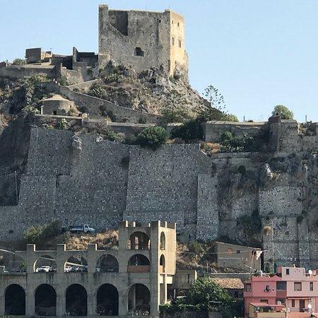 Scaletta Zanclea, Olaszország: Castello Rufo Ruffo