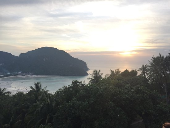 Koh Phi Phi Viewpoint: photo1.jpg
