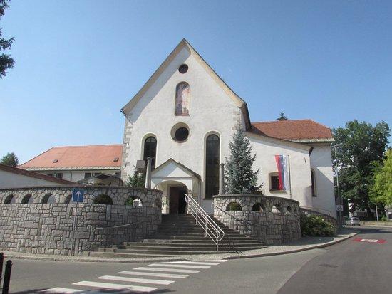 Capuchin Church: facciata chiesa