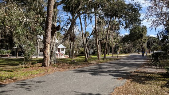 Yankeetown, FL: Neighborhood near park