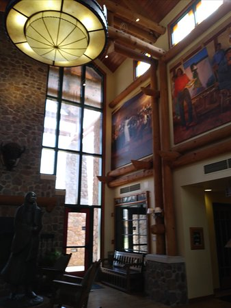 Lone Wolf, OK: Murals at front desk area