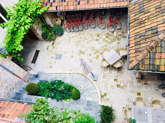 Adornes: looking down into the pretty courtyard from room 14
